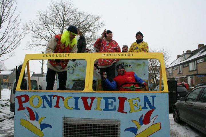 Foto's Carnavalsoptocht Sint Maarten 12-02-2012