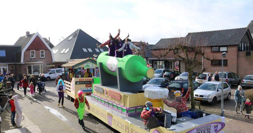 Optocht Warmenhuizen - 07-02-2016
